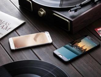 惠源通讯(赛格二楼A区二八二一):各种品牌手机批发